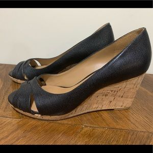 Nine West 8.5 wedges, black leather peep toe